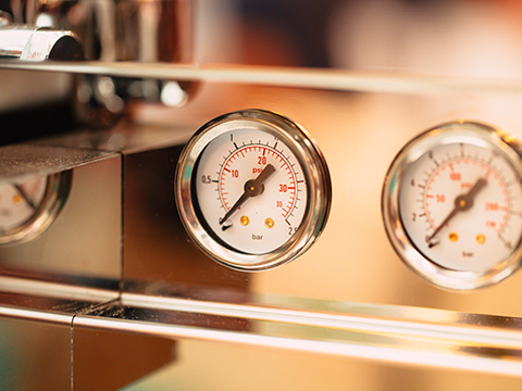 Pressure Gauge Configurations For High Temperature Applications